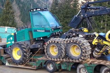 Sondertransporte von Forst-, Bau- & Landmaschinen